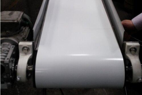 Bandejas planas para transportar elementos livianos